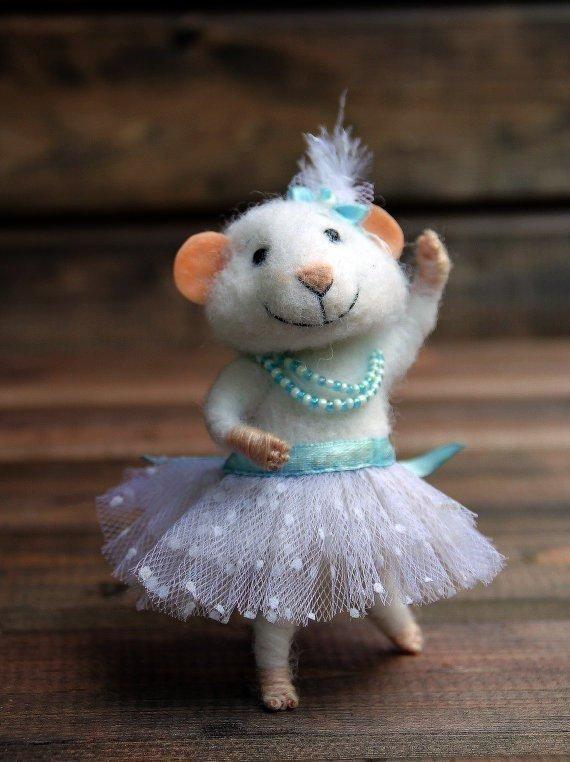 Мышка невеста