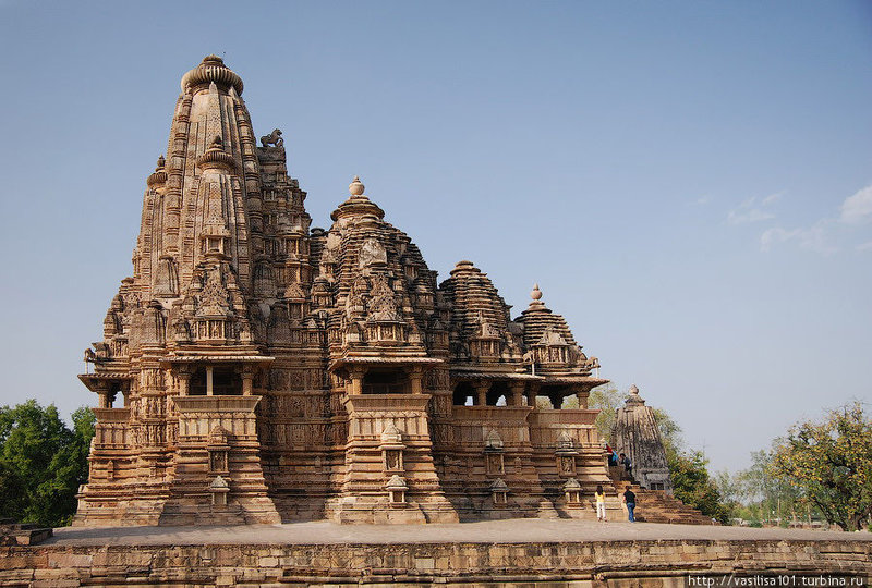 Каджурахо — храмы с эротическими скульптурами (Каджурахо, Индия)