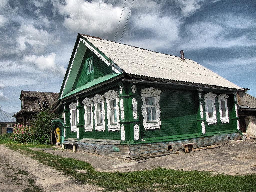 великий фото деревянный зеленый домик в деревне также специфика работ