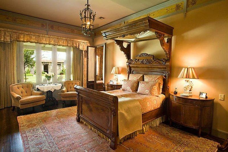 Роскошная английская кровать