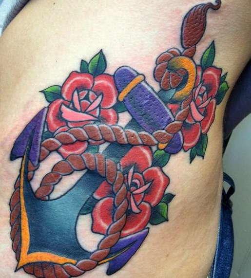 Стиль олд скул в татуировке: якорь и розы