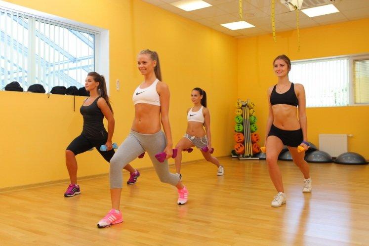 Женщины в фитнес клубе фото видео ответ