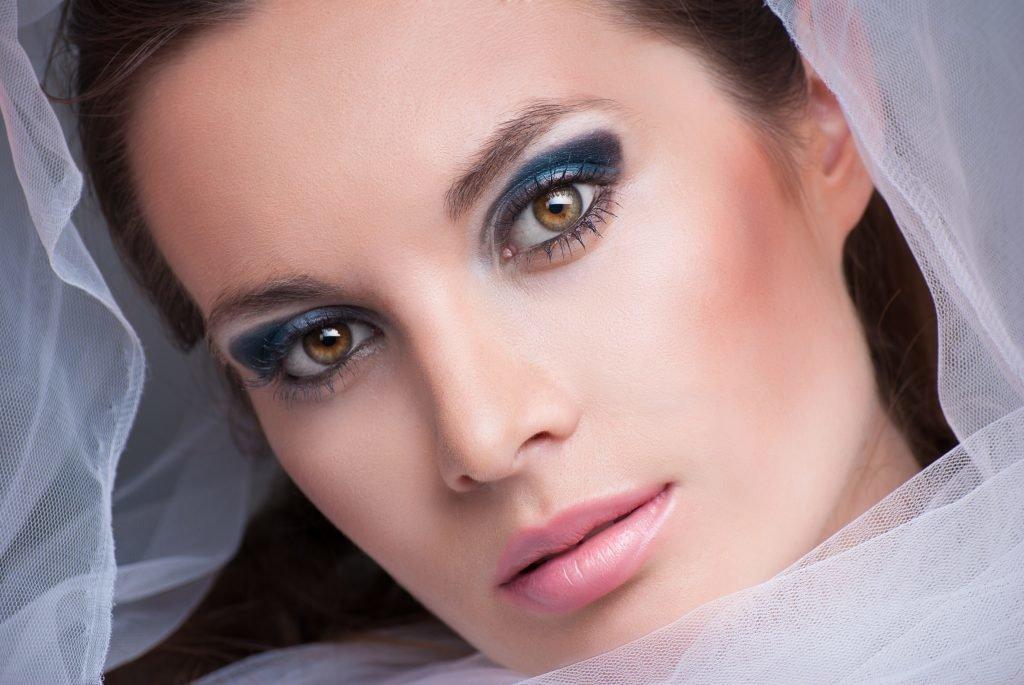 это преимущество макияж на свадьбу для синих глаз фото зона