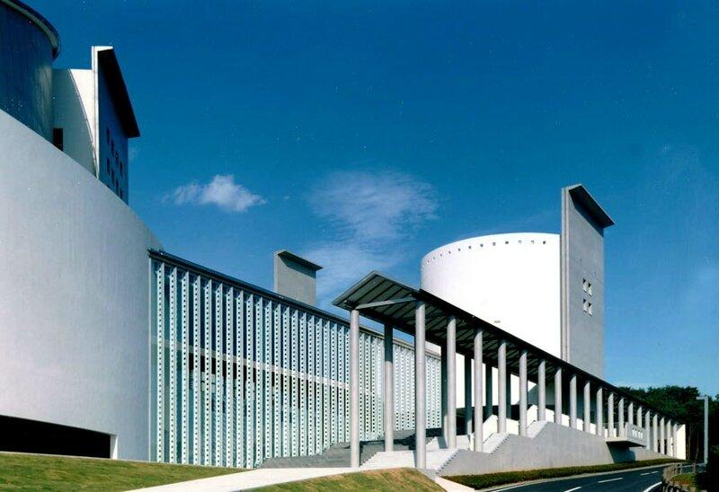 Tanakura Culture Centre - концертный зал в зоне жилой застройки.