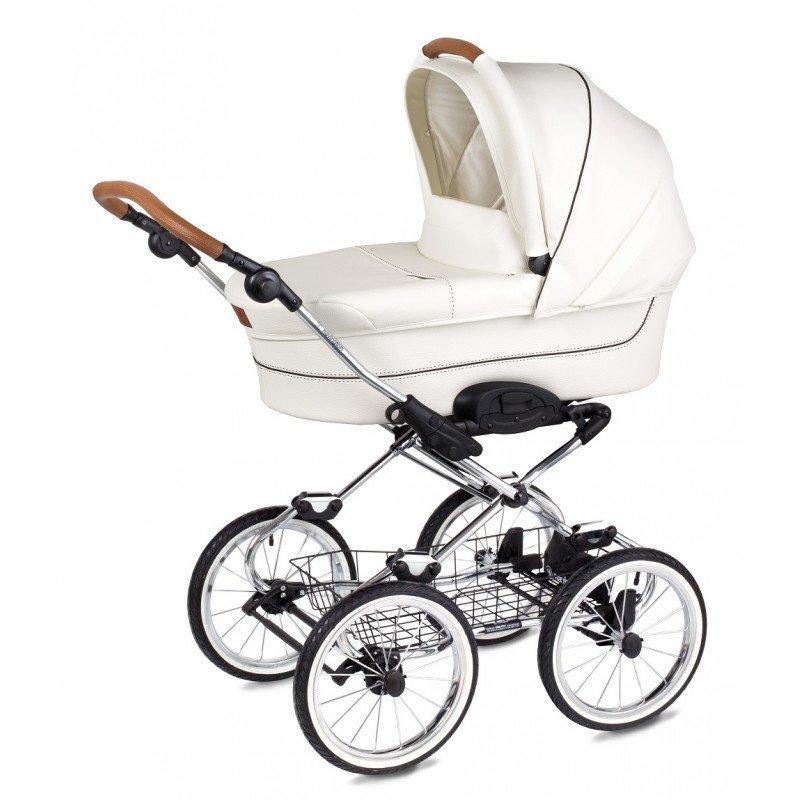 Несмотря на большие колеса, эта коляска слабо приспособлена для зимнего бездорожья.