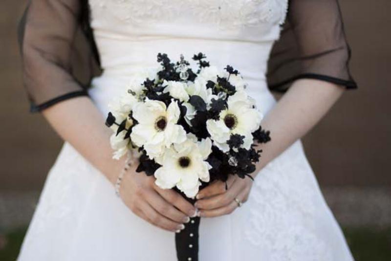 Свадебные букеты белый с черным