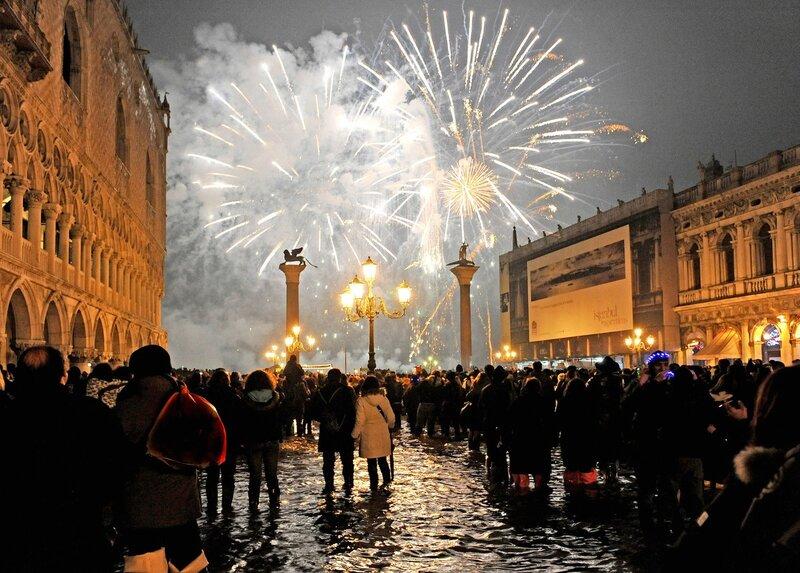 Новогодняя, праздничная улица