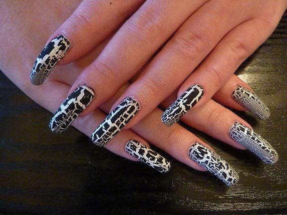 Лак кракелюр для ногтей.