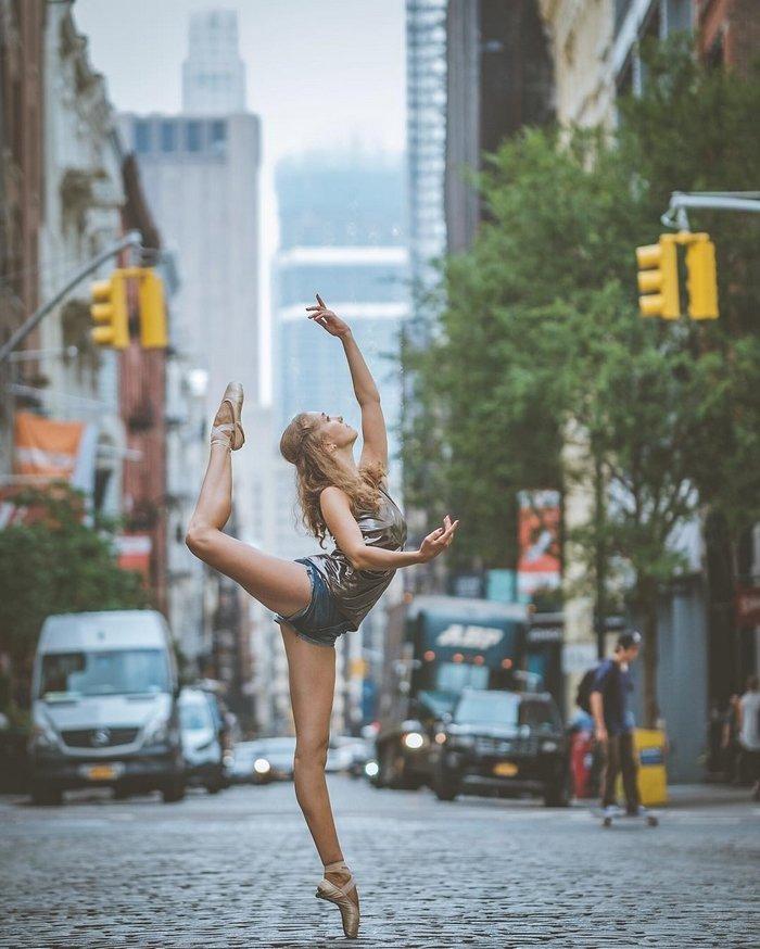 Нежный чувственный фото гимнастка фото на улице стоит раком крупно