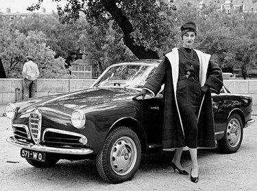 автомобиль старое фото 60е