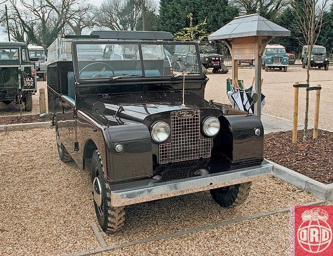 Действующая экспозиция : Наш обозреватель принял участие в «драйв-экскурсии» по музею Land Rover Heritage : Off-road drive