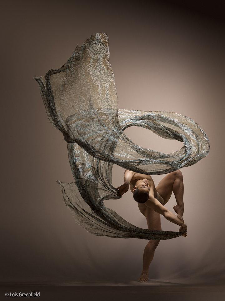 """Динамичные фотографии танцоров, """"застывшие"""" в движении"""
