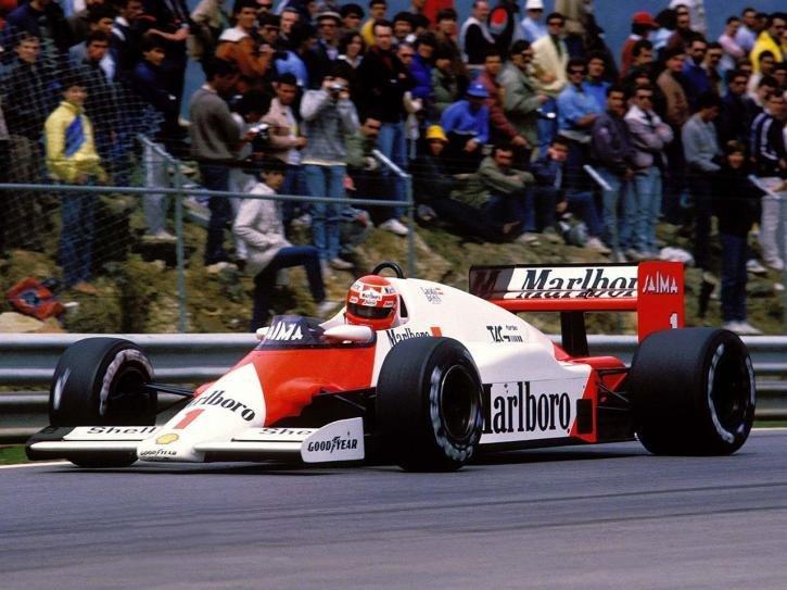 Фотографии 1985 McLaren MP4-2B. Фото, заставки и обои для рабочего стола c автомобилем McLaren MP4-2B 1985 года. VERcity