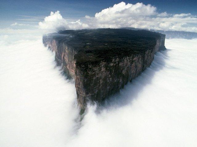 ГОРА РОРАЙМА В ЮЖНОЙ АМЕРИКЕ обои для рабочего стола. Фото Гора Рорайма в Южной Америке: Облака, Гора, Америка | WPAPERS.RU (Wallpapers).