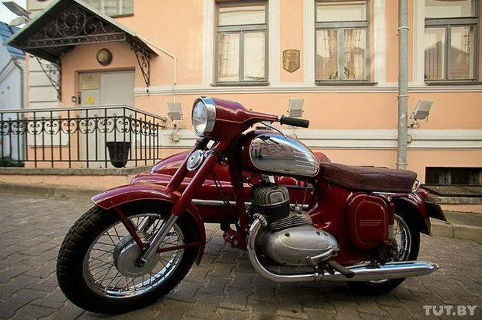 Мотоцикл Jawa 1973 года выпуска (13 фото)
