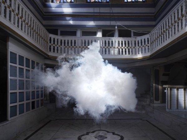 Облака в комнатах от Berndnaut Smilde
