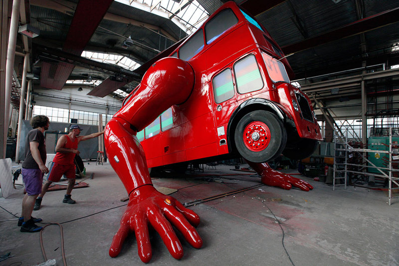 Отжимающийся двухэтажный автобус   Виртуальный город ArsCity
