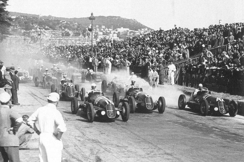 Первая гонка в истории Формулы-1 (фото)