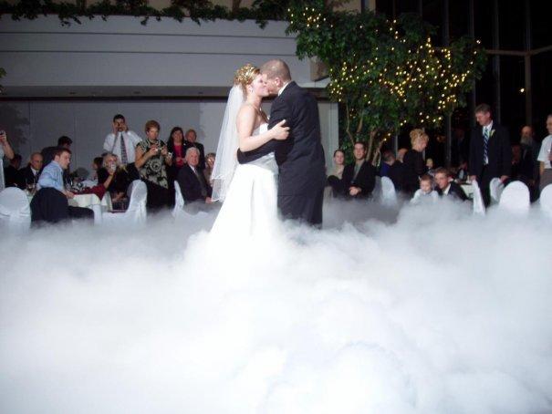 Сухой лёд на свадебной фотосессии