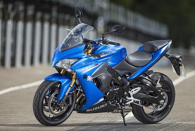 Тест-драйв: Suzuki GSX-S1000F (2016) - Спортбайк для улиц title=