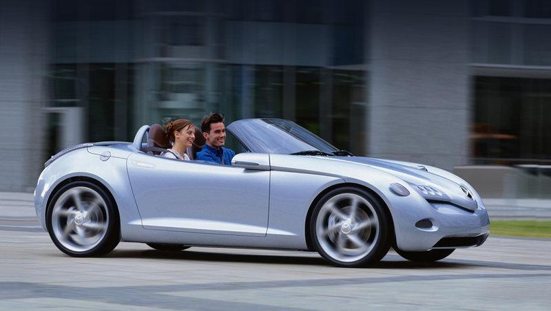 В компании Mercedes-Benz вновь обсудят запуск родстера SLA / Surfingbird - проводи время с пользой для себя!
