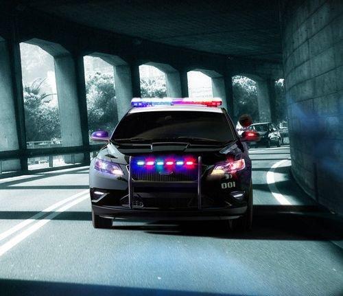 В США состоялась презентация патрульного седана Ford Taurus Police Interceptor - Новинки - Журнал - Quto.ru