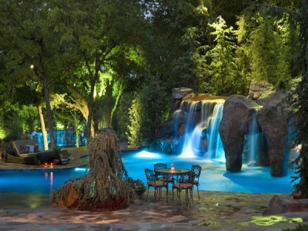 Водопад в саду фото