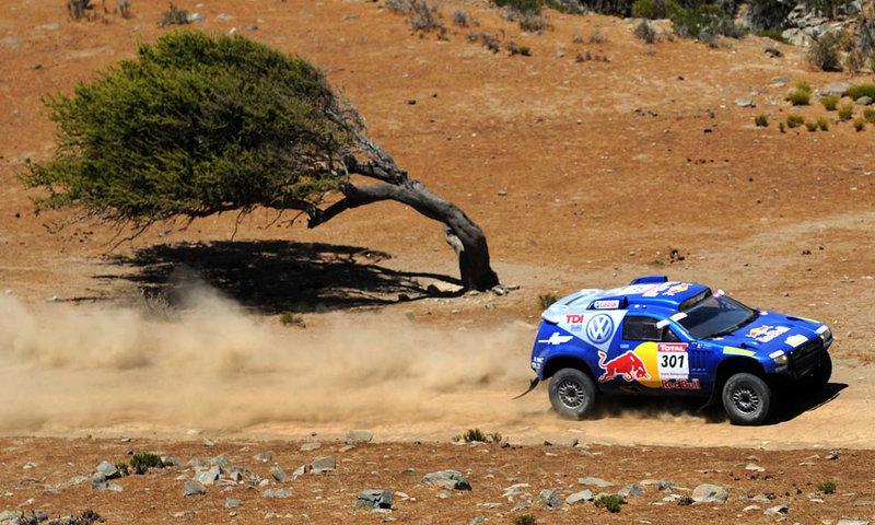 знаменитый испанский автогонщик, фото с ралли Дакар