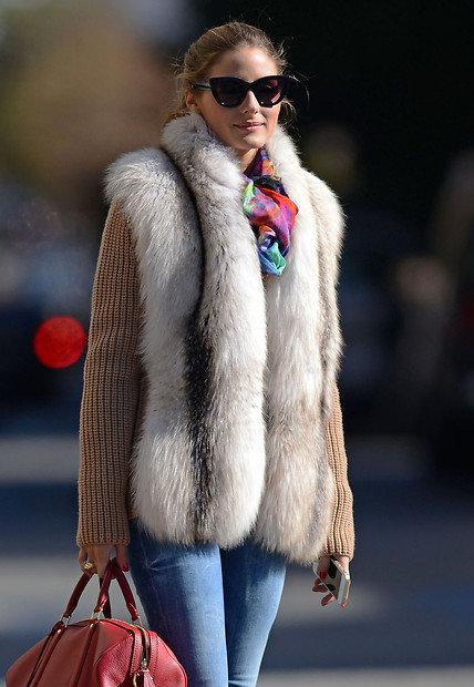 Безрукавки и жилетки для женщин — меховые, вязанные, джинсовые, пуховые