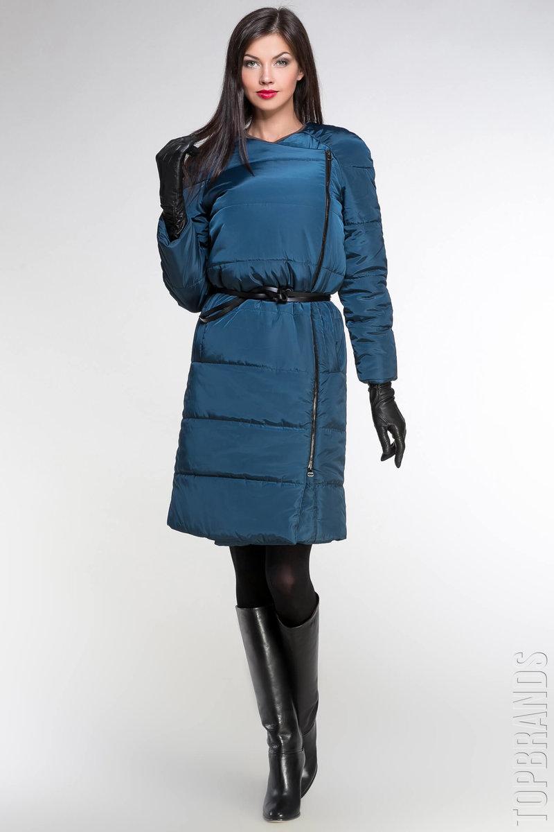 блестящее синее пальто