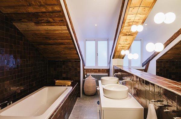 Дизайн ванной в мансардном этаже