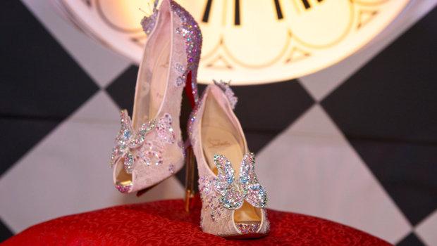 Кристиан Лабутен создал туфли для Золушки.