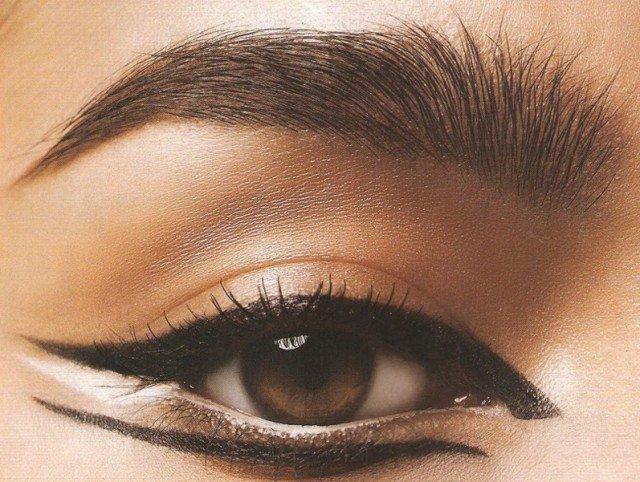 макияж стрелки египетские