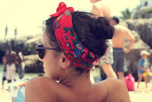 платок на голове поясок с бантом