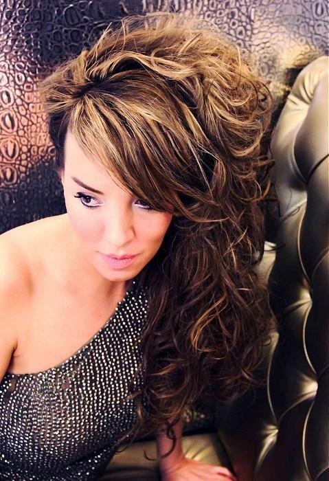 Прически с кудрями на средние волосы в домашних условиях: фото и обучающие видео