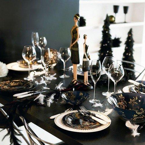 Сервировка новогоднего стола 2013 в черном цвете