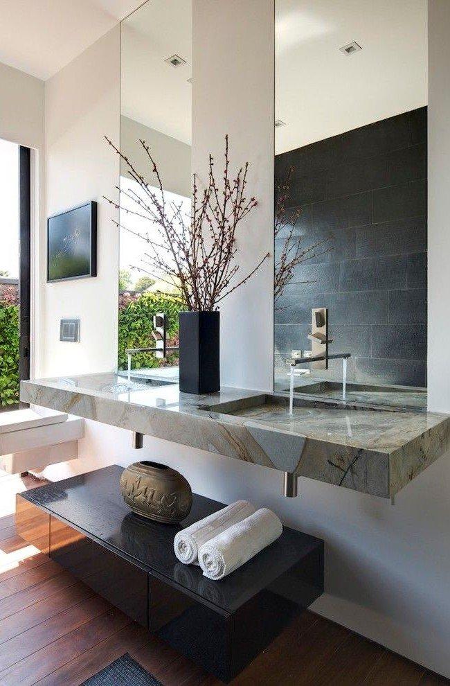Высокие прямоугольные зеркала - стильно, удобно, красиво