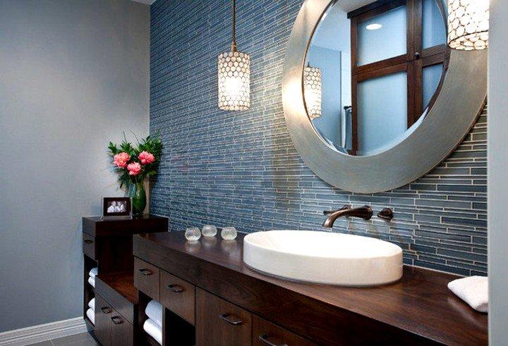 Зеркало в ванную комнату с подсветкой – как выбрать?