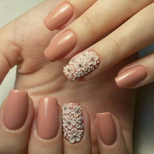 Дизайн на ногтях с лепкой
