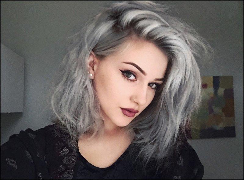 Волосы серый