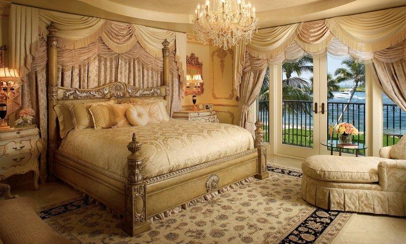 Шикарная спальня в Викторианском стиле