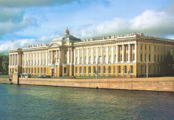 Стиль классицизм в архитектуре Санкт-Петербурга.