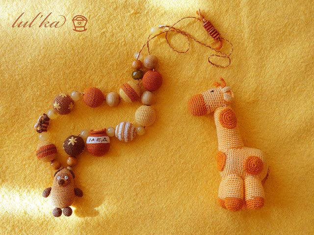 Мамины игрушки: Слингобусы и погремушка