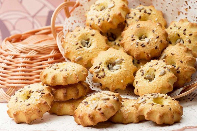 Песочное печенье Солнышко с кунжутом