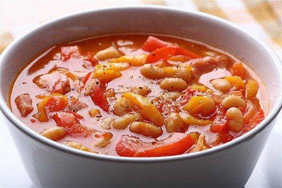 Суп из фасоли, томатов и шалфея с тостами. Рецепты приготовления. - Рецепты приготовления овощных супов - Рецепты приготовления супов - Рецепты приготовления салатов, супов, рецепты выпечки с фото - Рецепты приготовления супа, рецепты салатов, тортов