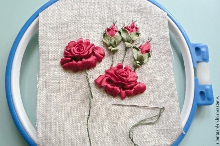 Учимся создавать красивый объемный цветок розы в технике вышивки лентами / Surfingbird знает всё, что ты любишь