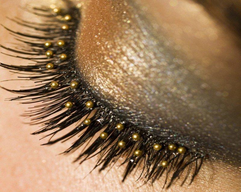 Блестящие тени для глаз