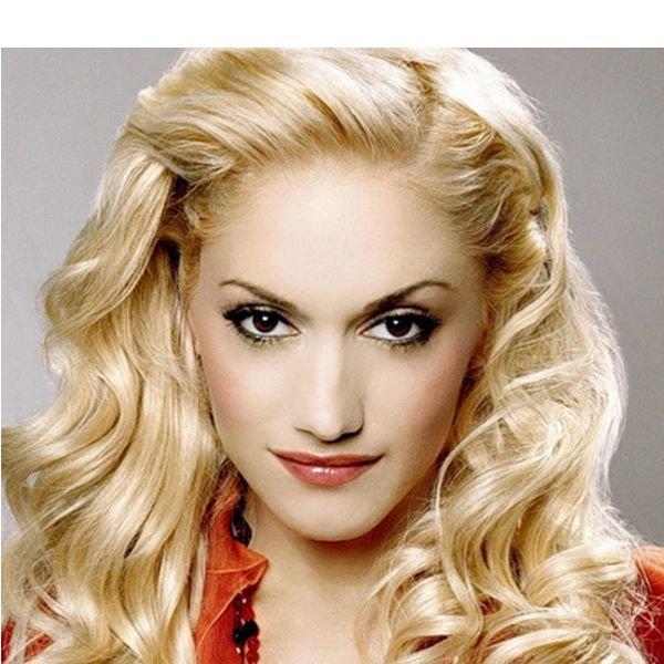 Для кареглазой блондинки подойдут следующие цвета: черный, серебристый, темно-коричневый, сиреневый, а также фуксия.