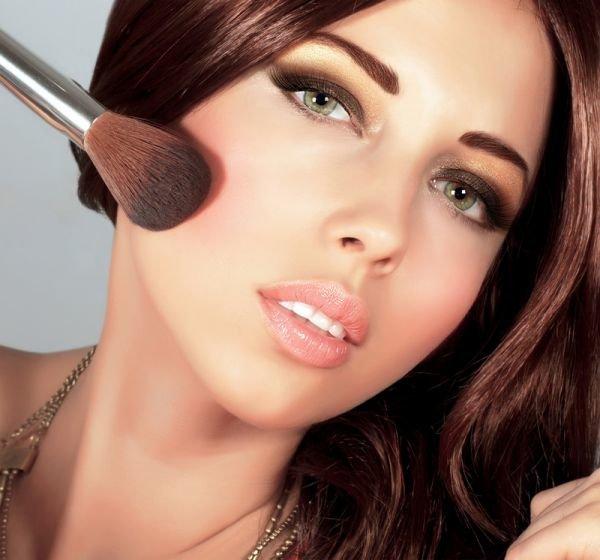 Смоки Айс макияж. Особенности и пошаговое выполнение.