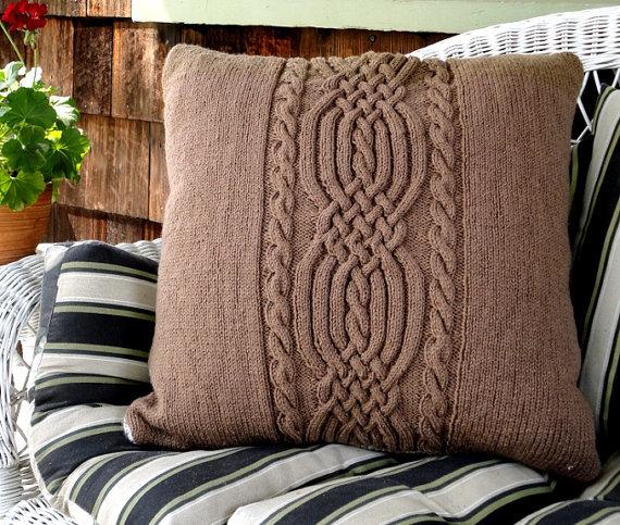 Вещи, связанные своими руками, могут создать атмосферу тепла и уюта в доме